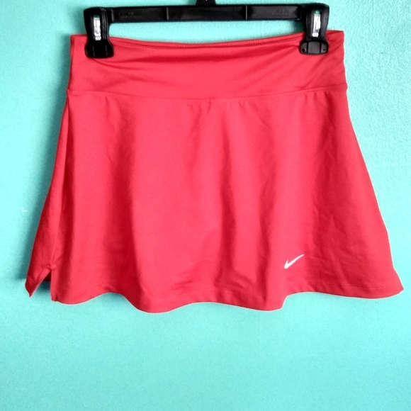 Nike Dresses & Skirts - Nwot red Nike dri fit tennis skirt